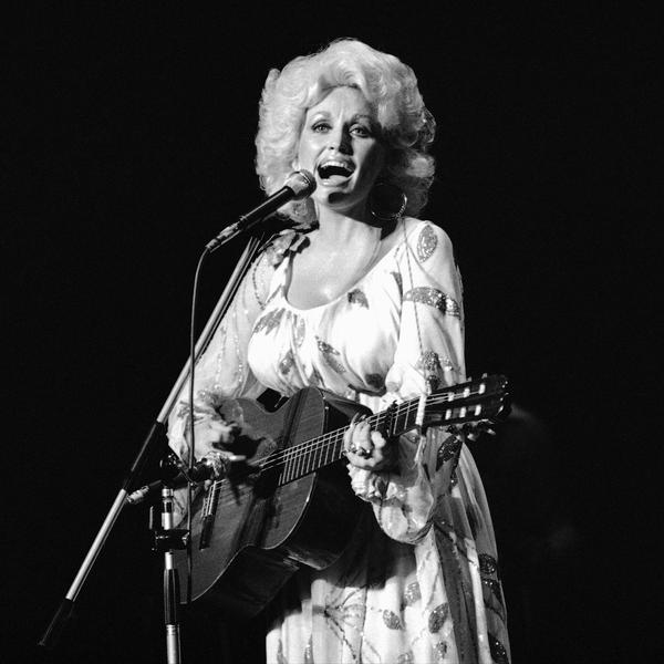 17 Facts About Dolly Parton's Trailblazing Career