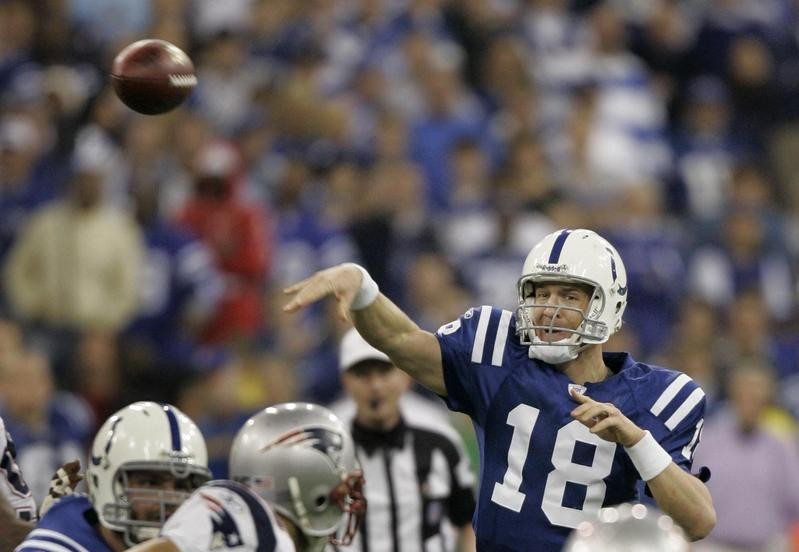 Peyton Manning throws against New England Patriots in AFC Championship