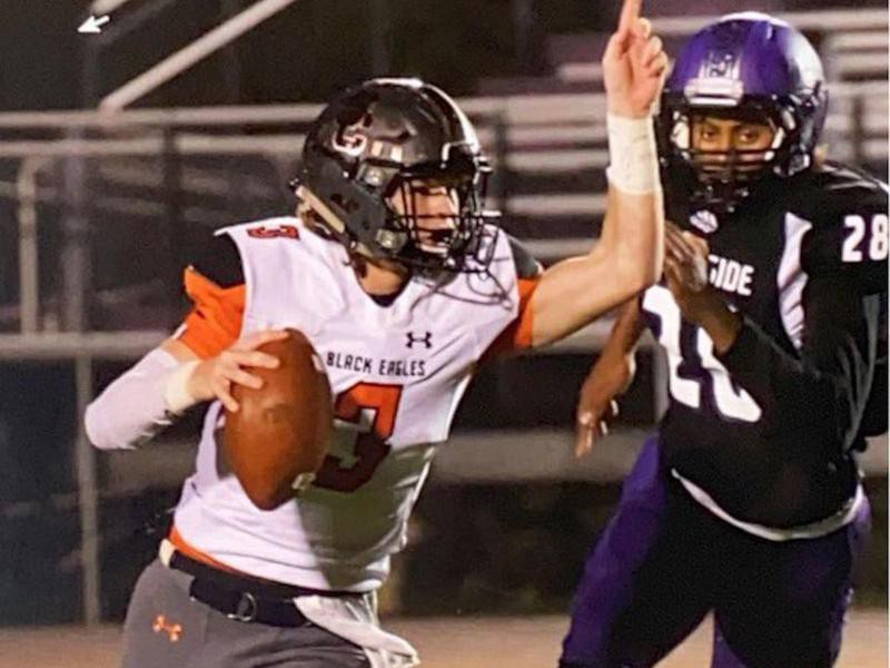 South Charleston High quarterback Trey Dunn