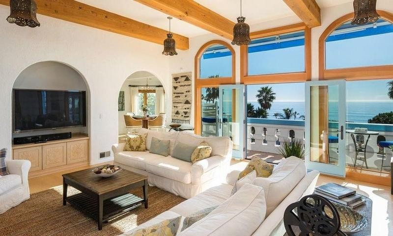 Pierce Brosnan's old Malibu house