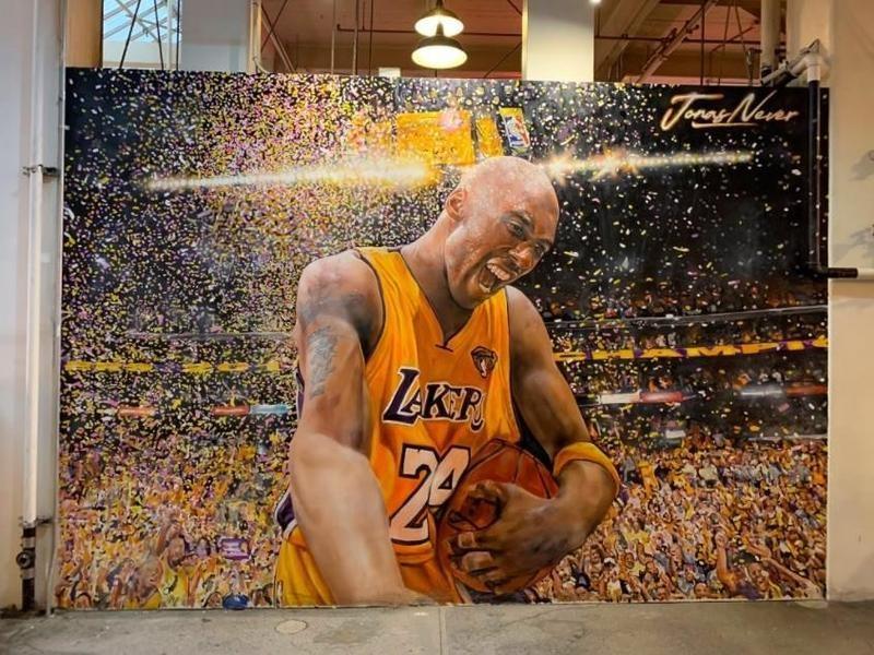 Kobe Bryant champion mural