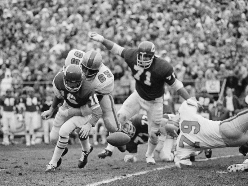 Elvin Bethea tackles Kansas City Chiefs quarterback Len Dawson