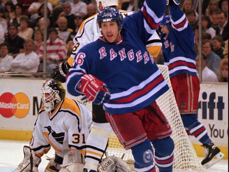 New York Rangers right wing Pat Verbeek