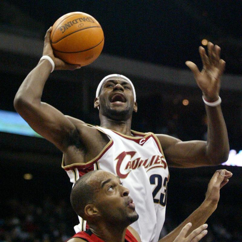 Cleveland Cavaliers' LeBron James puts up shot