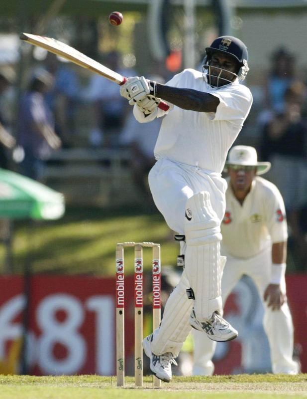 Sanath Jayasuriya looks to play hook shot