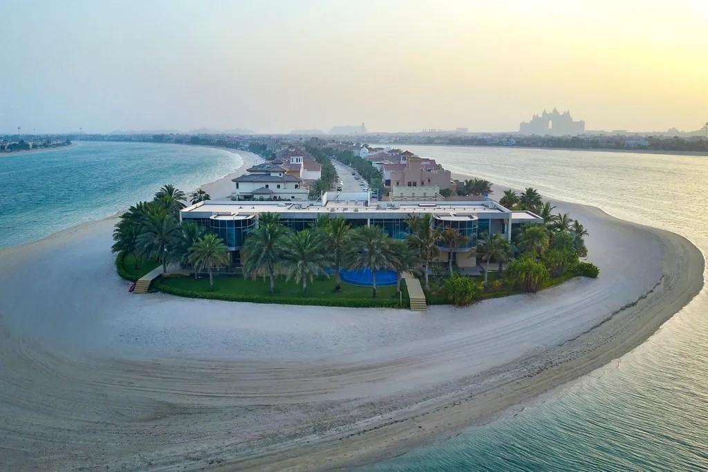 Dubai mega mansion