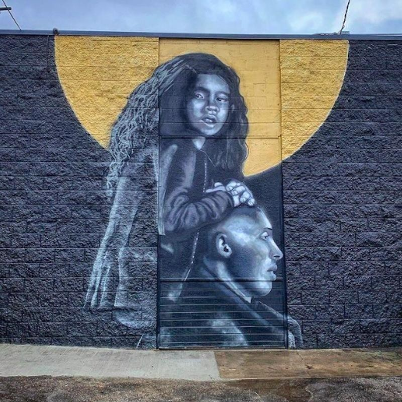Kobe Bryant and Gianna Bryant mural in Inglewood