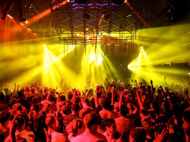 Ibiza Dancing