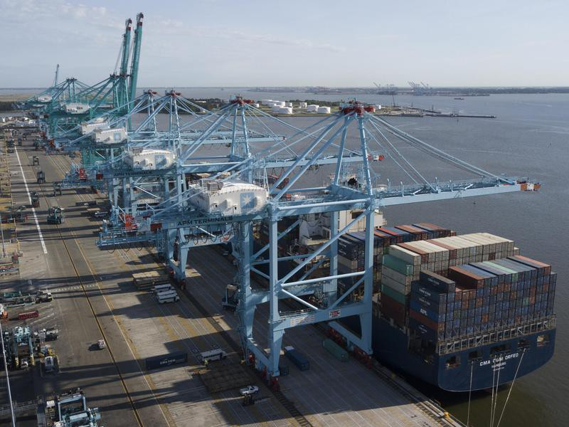 Container ship at the Virginia International Gateway terminal in Norfolk
