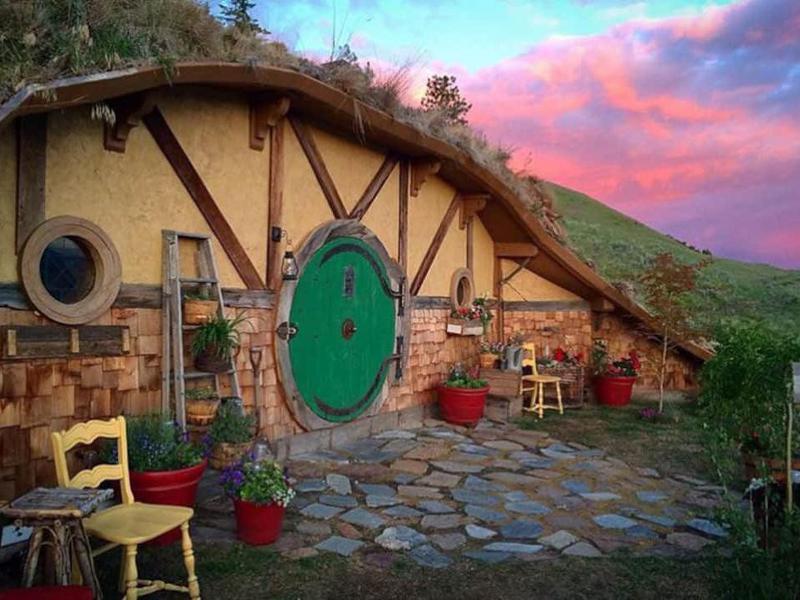 Hobbit house in Washington