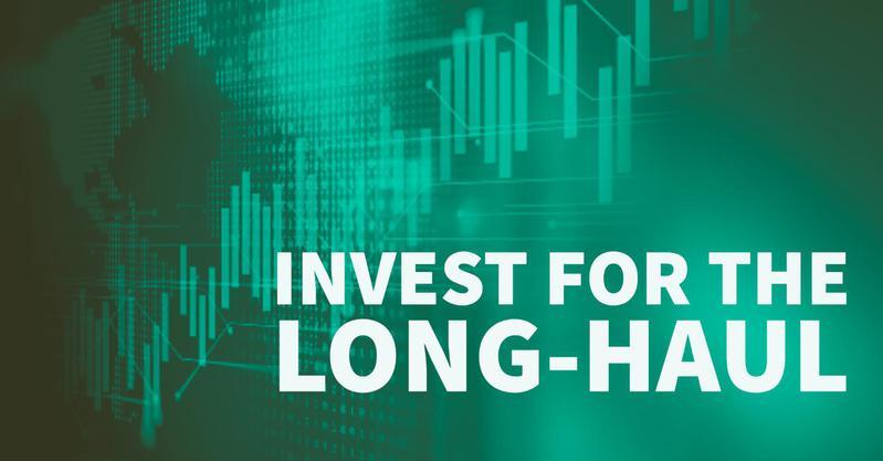 Warren Buffett: Invest for the Long-Haul