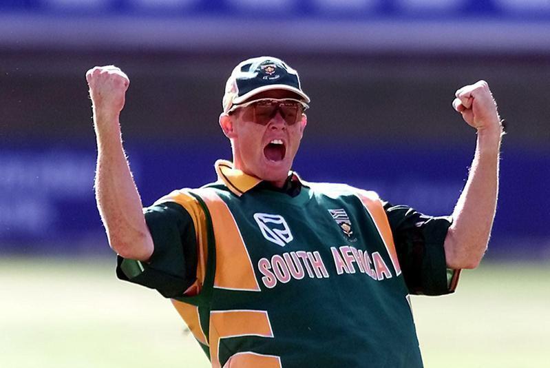 Shaun Pollock celebrates