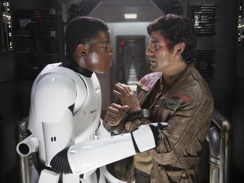 Oscar Isaac and John Boyega in Star Wars: Episode VII - The Force Awakens (2015)