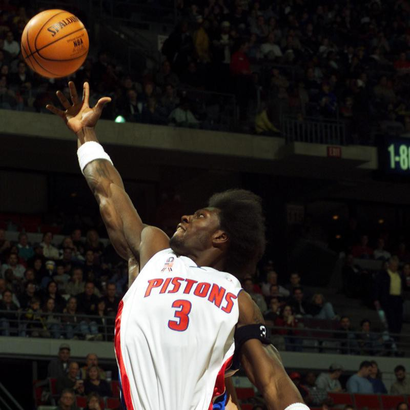 Ben Wallace goes up high for a rebound