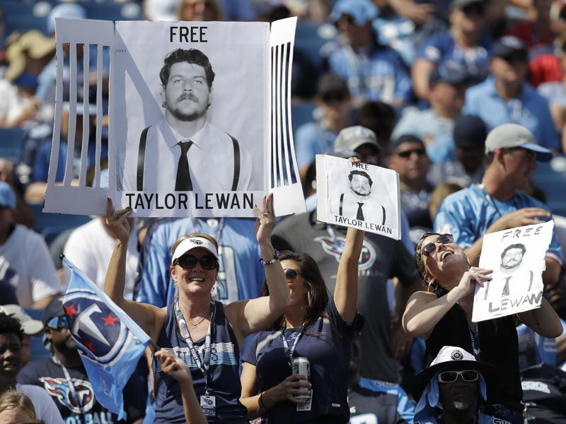 Tennessee Titans fans