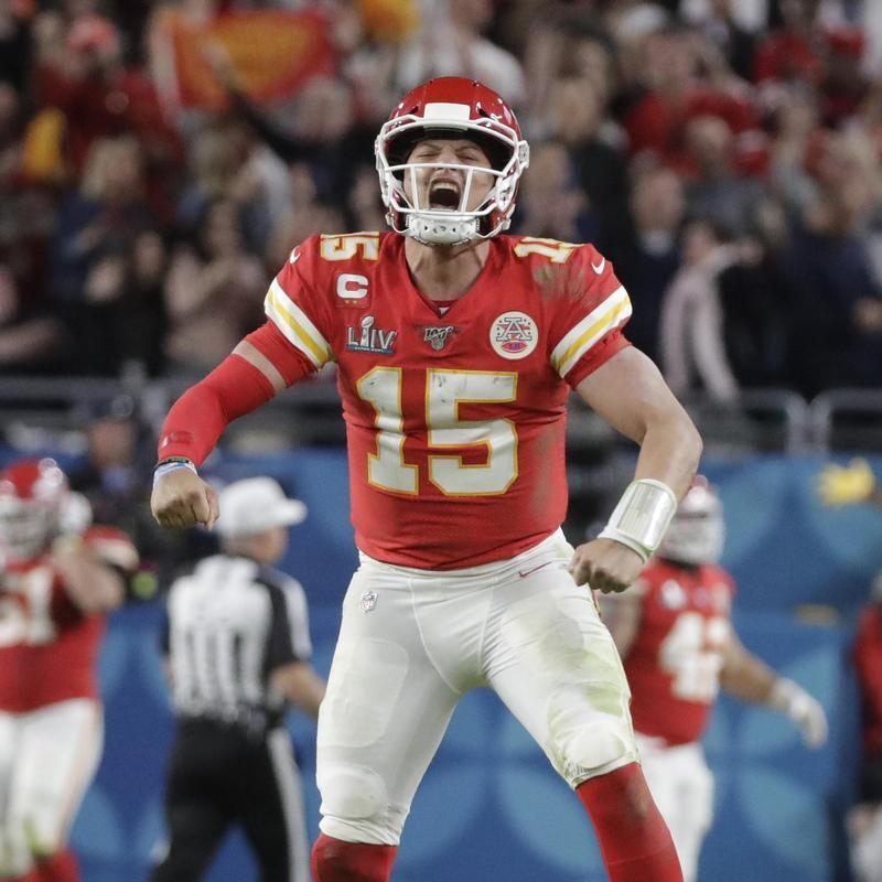 Patrick Mahomes screams and flexes in Super Bowl LIV