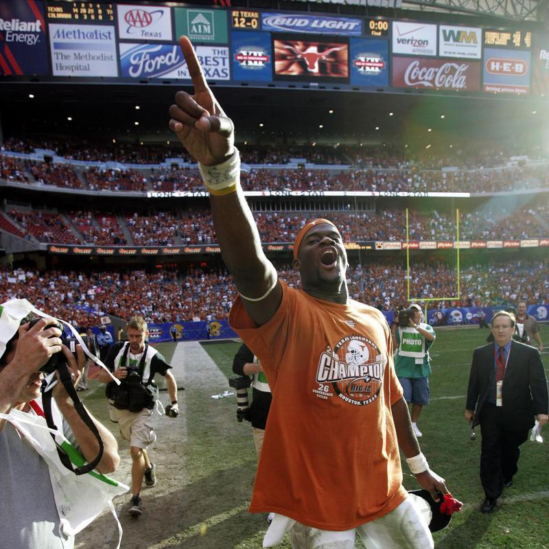 Texas quarterback Vince Young celebrates
