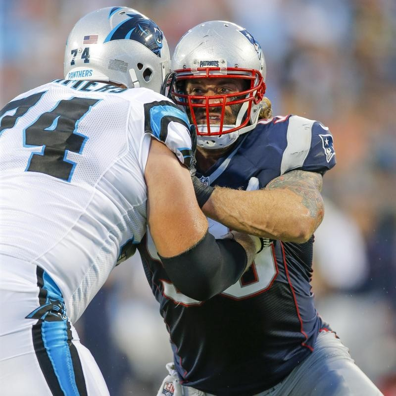 Chris Long battles against Carolina Panthers