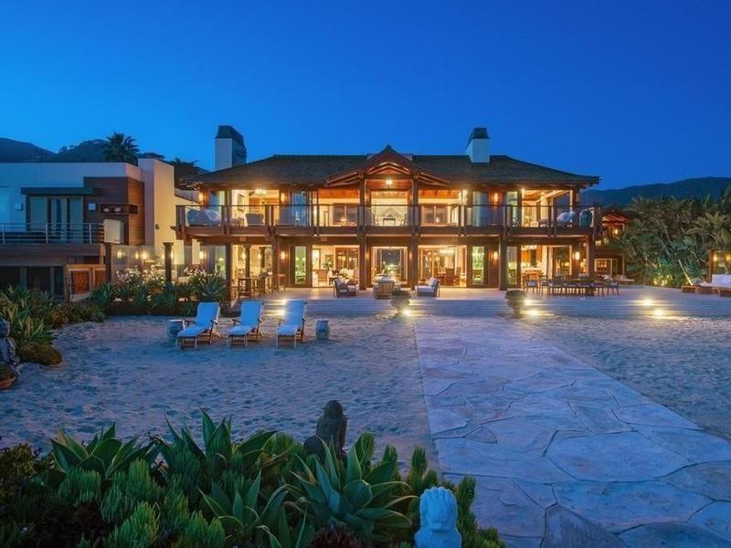 Pierce Brosnan's house at night