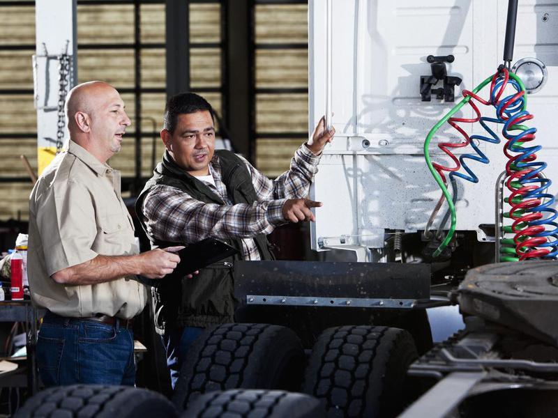 First-line supervisor of mechanic