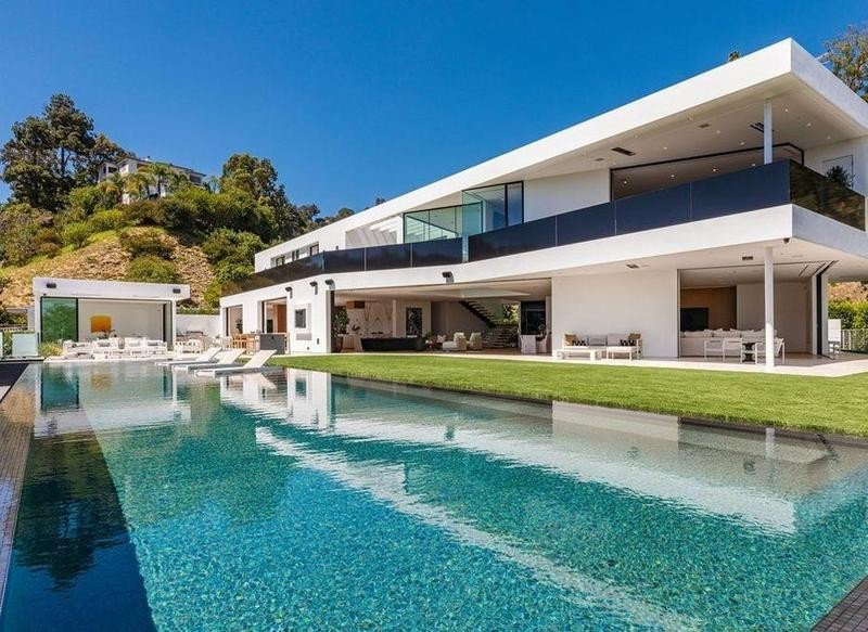 Infinity pool and modern architecture