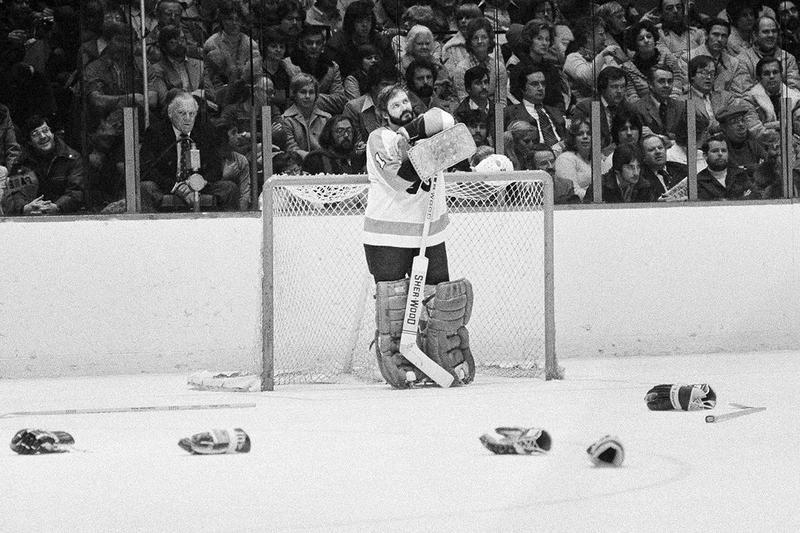 Philadelphia Flyers goalie Bernie Parent