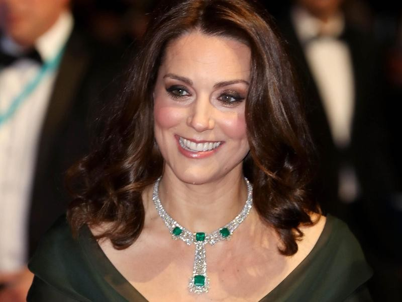 Kate Middleton's Emerald Necklace Closeup