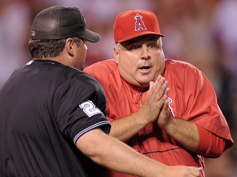 Mike Scioscia and Hunter Wendelstedt