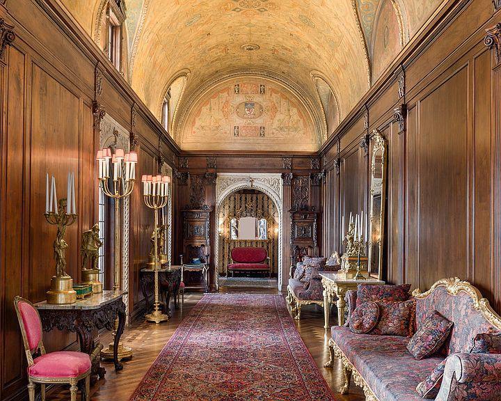Opulent Chicago mansion