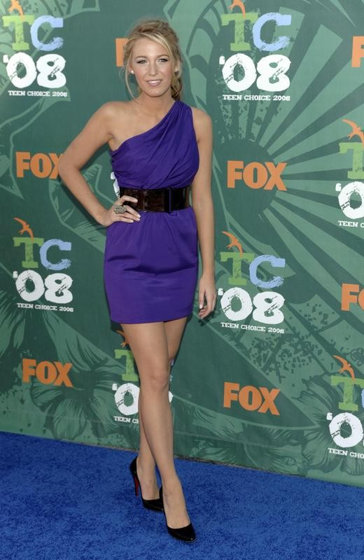 Blake Lively arrives at Teen Choice Awards