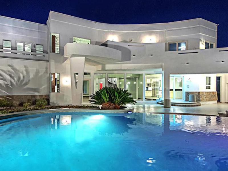 Mike Tyson's pool