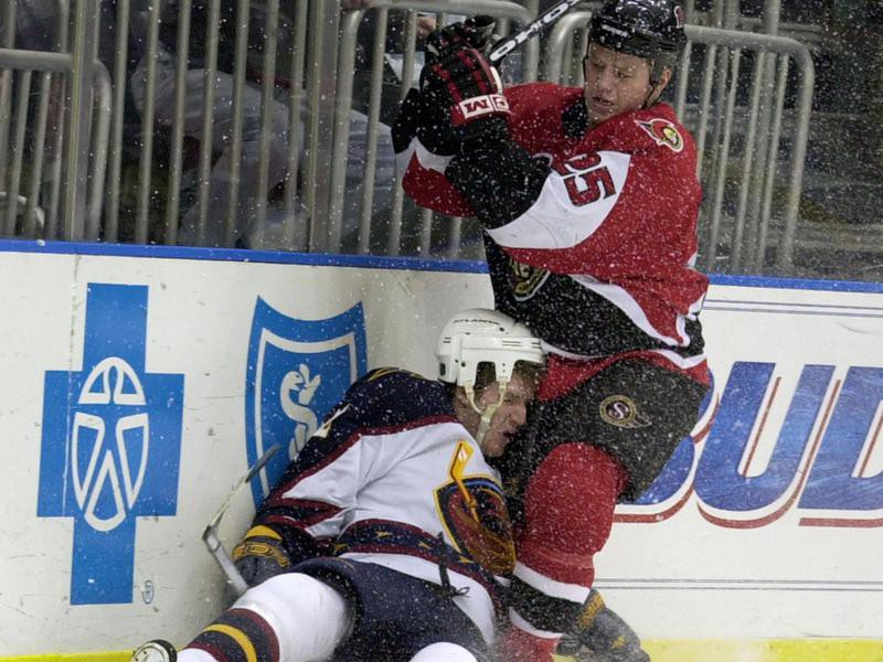 Ottawa Senators right wing Chris Neil