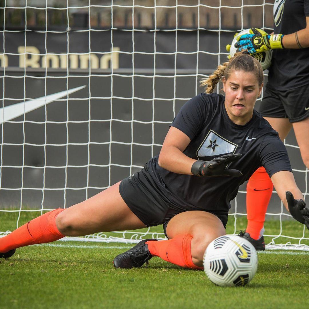 Sarah Fuller blocking a goal