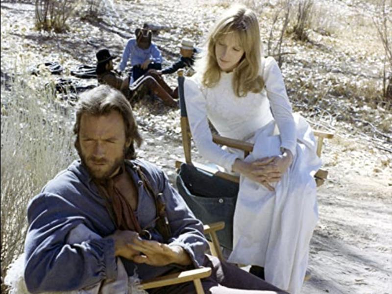 Clint Eastwood & Sandra Locke in The Outlaw Josey Wales