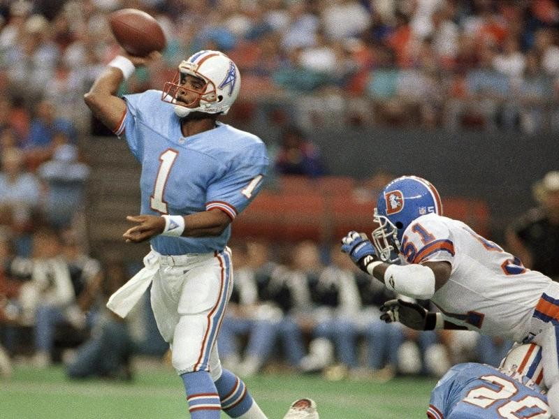 Houston Oilers quarterback Warren Moon