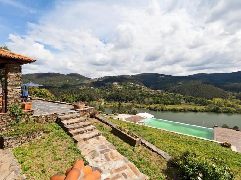 Douro Villa With Swimming Pool