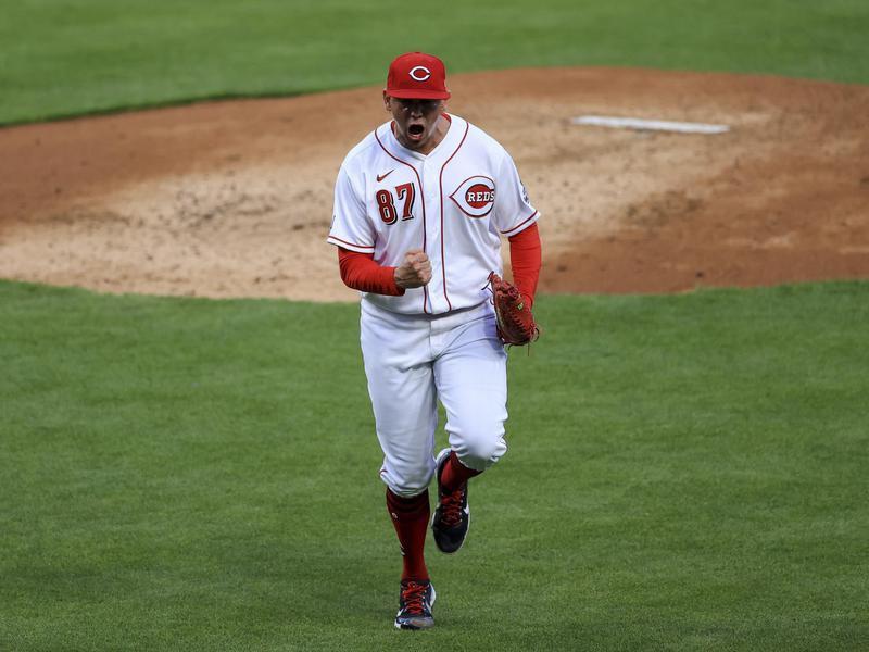 Cincinnati Reds' Jose De Leon reacts