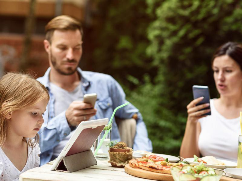 Letting Kids Play on Devices in Public Sans Headphones