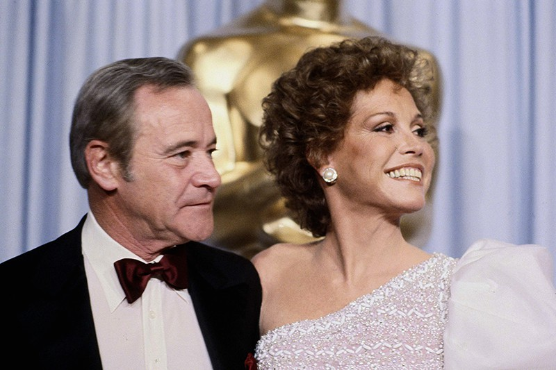 Jack Lemmon and Mary Tyler Moore