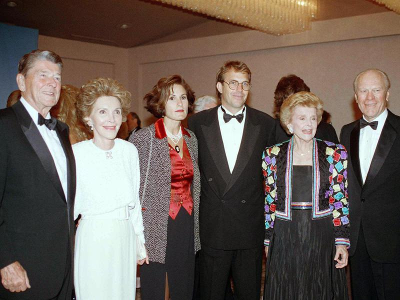Kevin Costner and his wife, Cindy, at a gala benefit in 1992