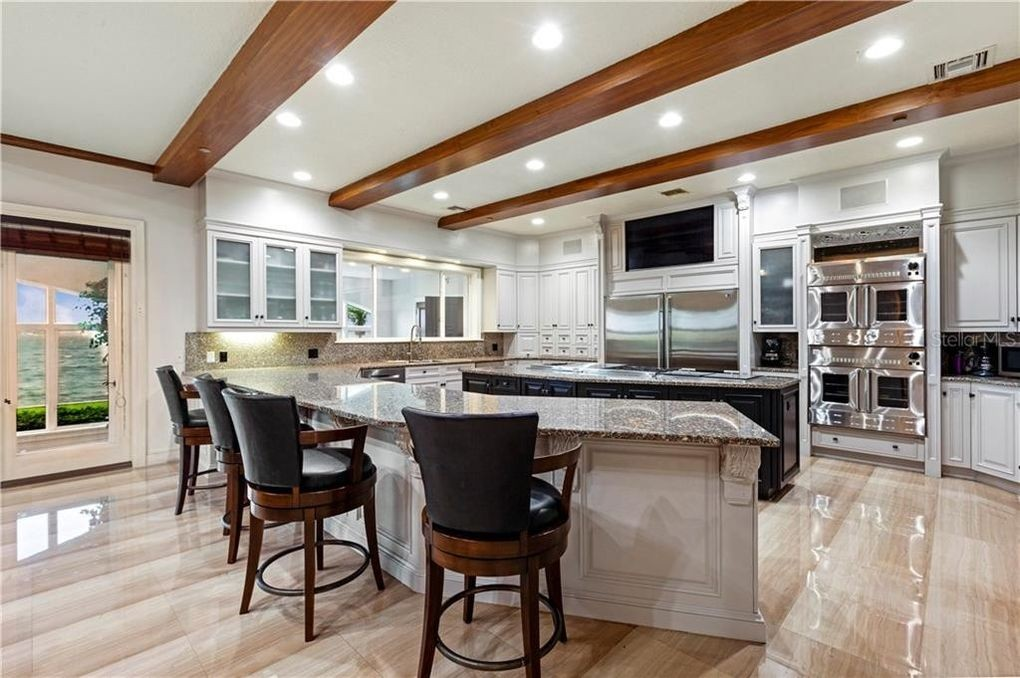Shaquille O'Neal's kitchen
