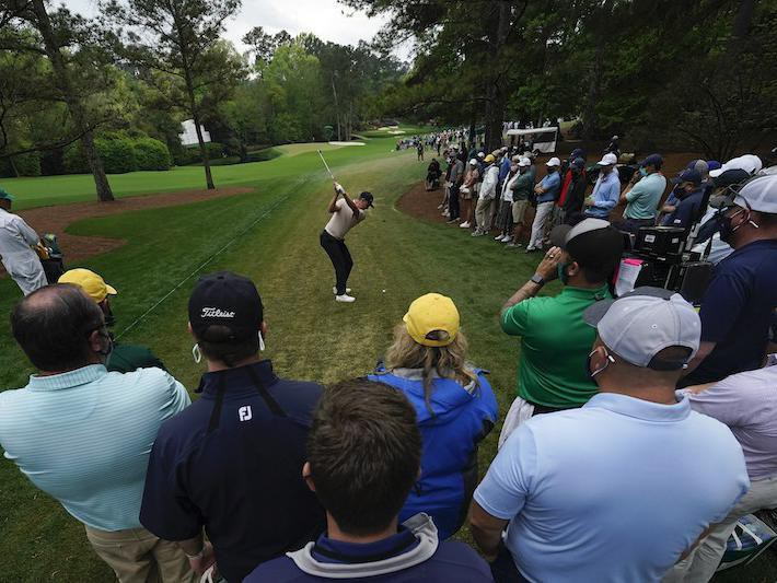 Justin Rose tees off on 11th hole