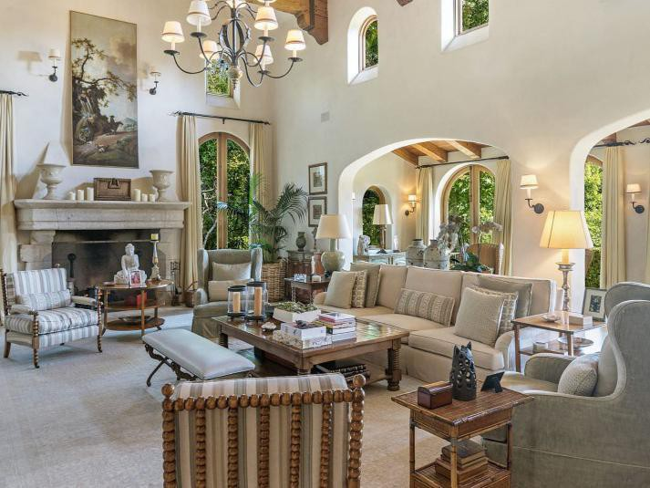 Sugar Ray Leonard's living room