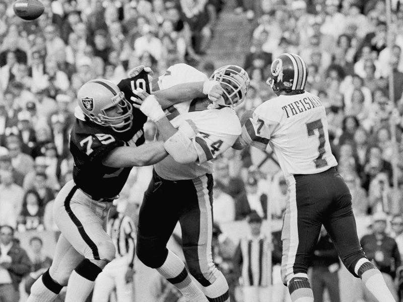 Howie Long battles Washington Redskins during Super Bowl