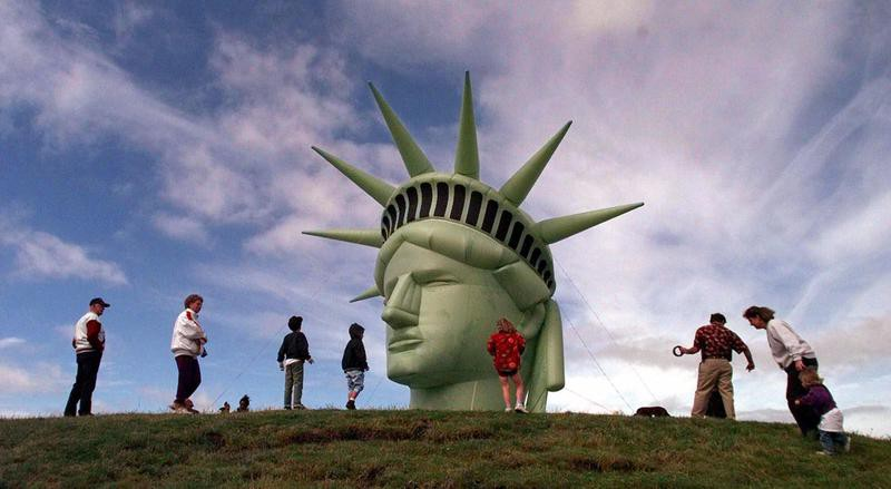 Statue of Liberty head raised at Seattle's Gas Works Park