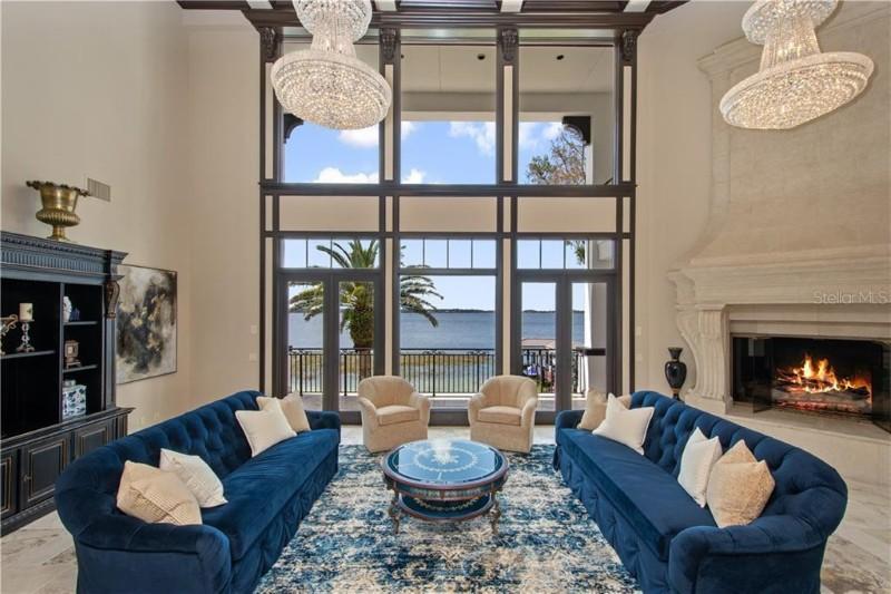 Paula Creamer's living room