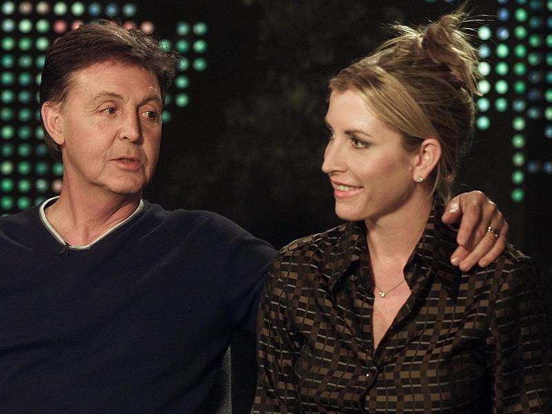 Paul McCartney and Heather Mills talking