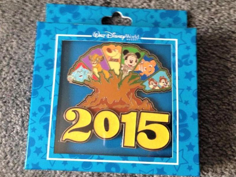 Disney 2015 Giant Tree Animal Kingdom pin