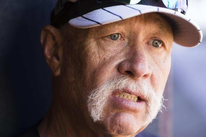 """""""Goose"""" Gossage speaks with a member of the media"""