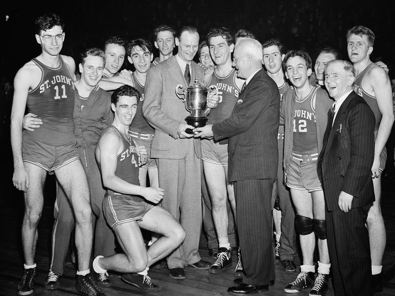Joe Lapchick and 1944 St. John's team
